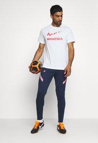 Nike Performance - KROATIEN CRO TEE GROUND - Voetbalshirt - Land - white - 1