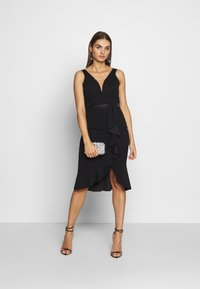 WAL G. - V NECK RUFFLE MIDI DRESS - Cocktailkjole - black - 1