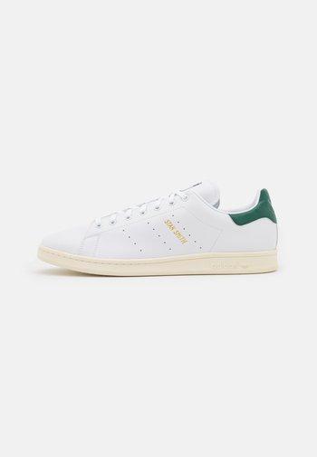 STAN SMITH UNISEX - Sneaker low - white