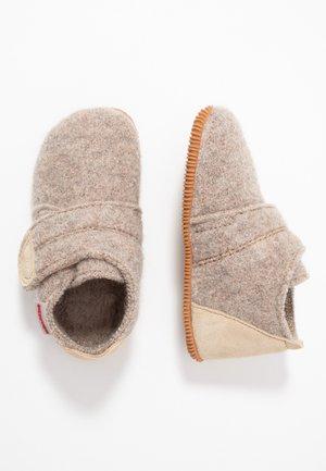 OBERSTAUFEN - Slippers - natur