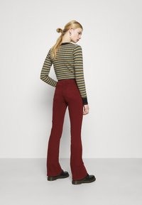 Pepe Jeans - NEW PIMLICO - Trousers - currant - 2