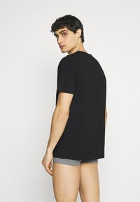 Jack & Jones - JACRAIN TEE 3 PACK - Pyjama top - black - 2