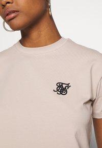 SIKSILK - RETRO BOX FIT CROP TEE - Print T-shirt - beige - 5
