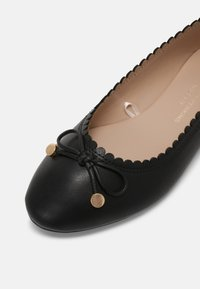 Dorothy Perkins Wide Fit - PEACE SCALLOP  - Ballerina's - black - 7
