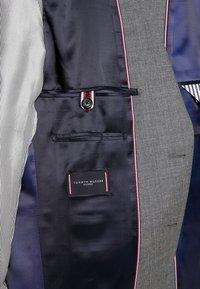 Tommy Hilfiger Tailored - SLIM FIT SUIT - Suit - grey - 12