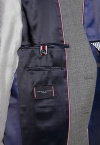 Tommy Hilfiger Tailored - SLIM FIT SUIT - Oblek - grey - 12