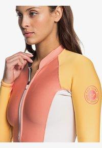 Roxy - Rash vest - pink/yellow - 4