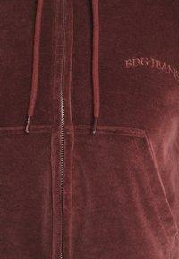 BDG Urban Outfitters - HOODY - Zip-up hoodie - chocolate - 2
