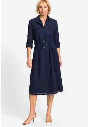 AUS FEMININER LOCHSPITZE - Shirt dress - dunkelblau