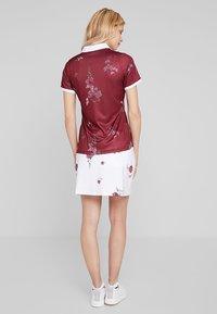 Cross Sportswear - FLOWER SKORT - Falda de deporte - white - 2