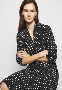 Lauren Ralph Lauren - Denní šaty - polo black/white - 3