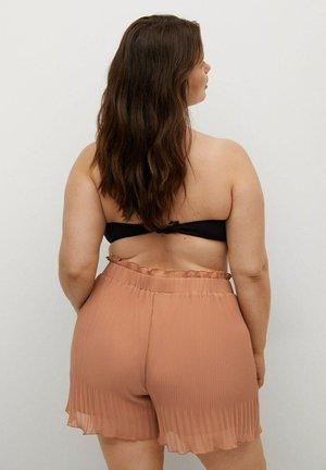 PLISSIERTE - Shorts - bräunliches orange