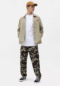 Dickies - OAKPORT COACH - Summer jacket - khaki - 1