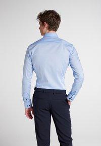 Eterna - SUPER SLIM - Formal shirt - hellblau - 1