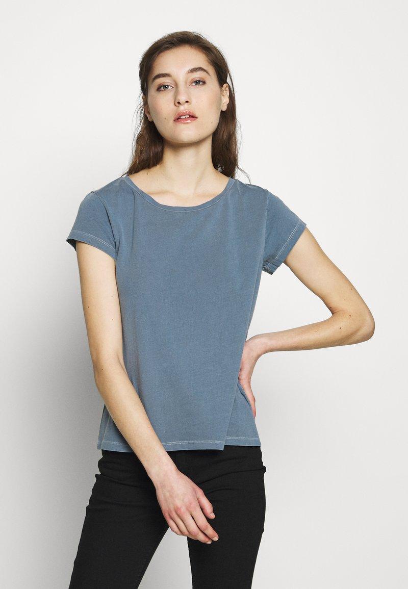 Samsøe Samsøe - LISS - Basic T-shirt - blue mirage