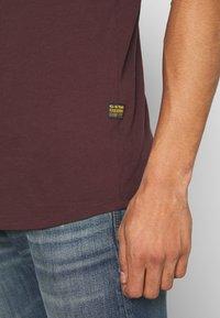 G-Star - LASH ROUND SHORT SLEEVE - Basic T-shirt - dark fig - 4