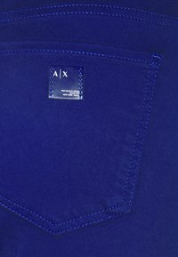 Armani Exchange - Pantalones - new ultramarine - 2