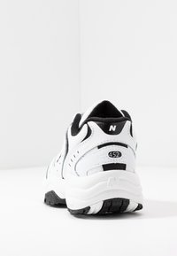 New Balance - WX452 - Baskets basses - white/black - 7