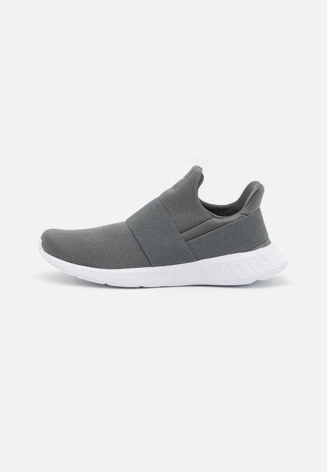 LITE SLIP 2.0 - Neutrální běžecké boty - essential grey/white