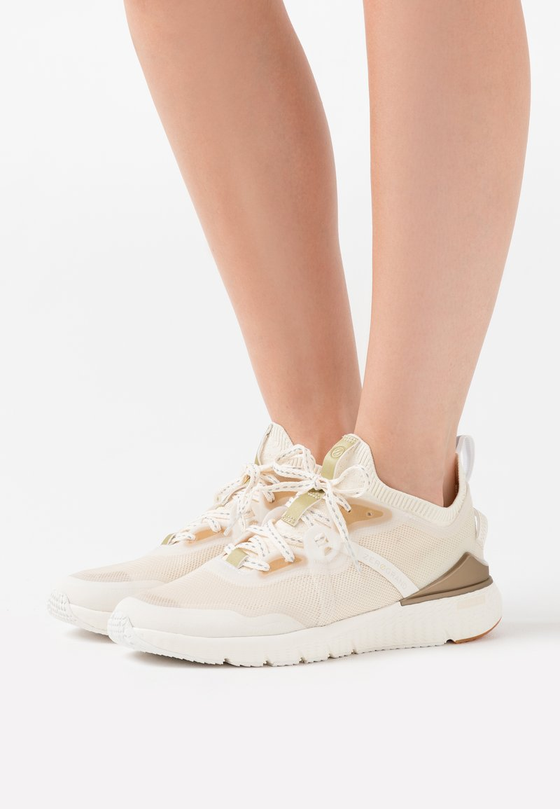 Cole Haan - ZEROGRAND COMPLETE RUNNER - Trainers - nimbus cloud/argento/micro chip/optic white