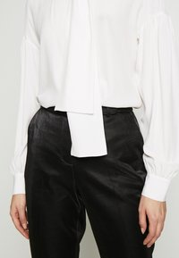 Pinko - IRISH BLUSA - Skjorte - white - 4