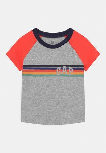 ARCH RAGLAN - T-Shirt print - light heather grey