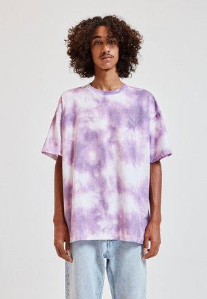 ROSAFARBENEM TIE-DYE - Print T-shirt - white