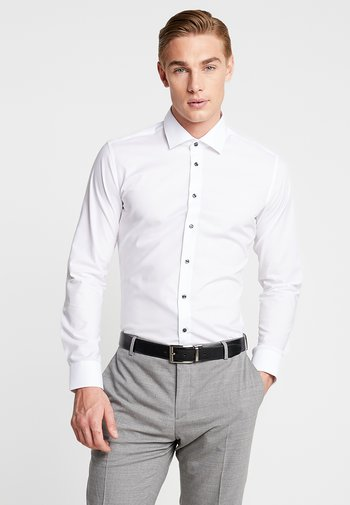 BUSINESS KENT PATCH EXTRA SLIM FIT - Camicia elegante - white