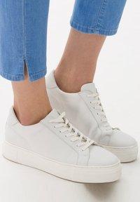 BRAX - STYLE CARO  - Slim fit jeans - used fresh blue - 4
