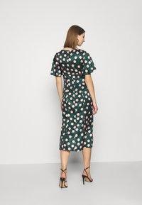 Chi Chi London - COZETTE DRESS - Denní šaty - green - 2