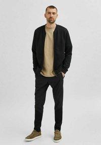Selected Homme - Zip-up sweatshirt - black - 1