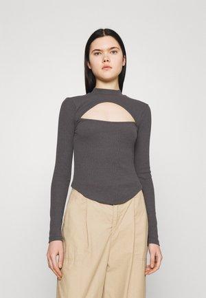 CURVED HEM KEYHOLE - Long sleeved top - offblack
