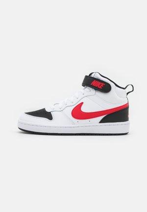COURT BOROUGH MID UNISEX - Zapatillas altas - white/universe red/black