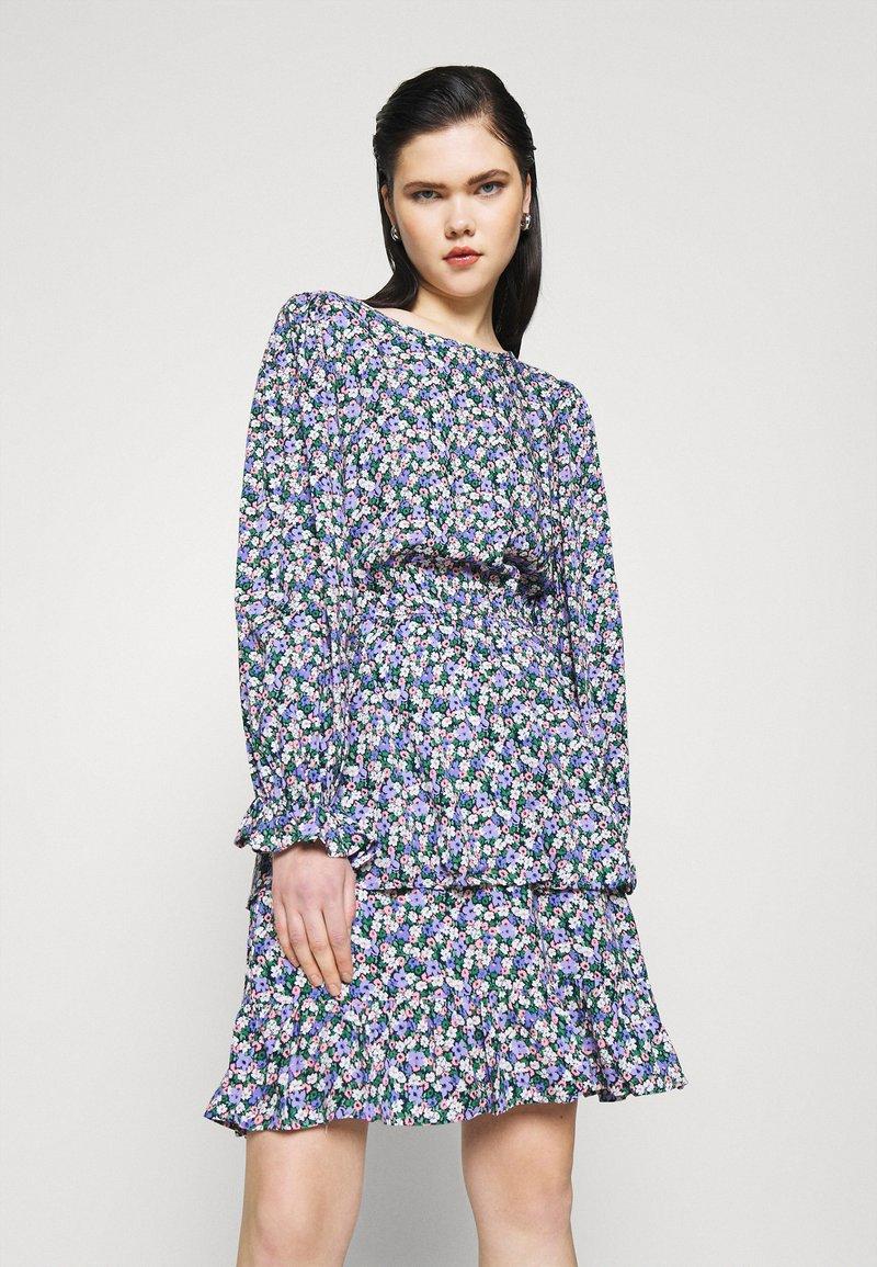 Pieces - PCSASSI DRESS - Day dress - lilac