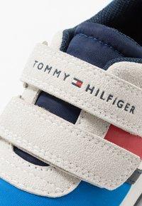 Tommy Hilfiger - Trainers - grey/royal - 5