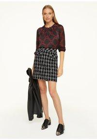 comma - Pencil skirt - black - 1