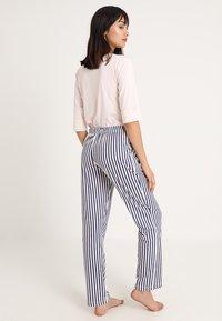 LASCANA - PANTS - Pyjama bottoms - rose/grey - 2