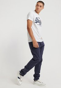 Superdry - TEE - T-shirt print - light grey - 1