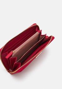 LIU JO - XL ZIP AROUND - Wallet - true red - 2