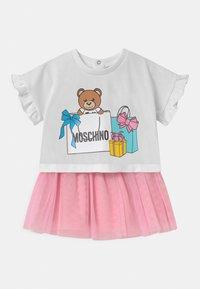 MOSCHINO - SET - A-line skirt - sugar rose/white - 0
