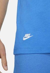 Nike Sportswear - T-shirts print - signal blue - 5