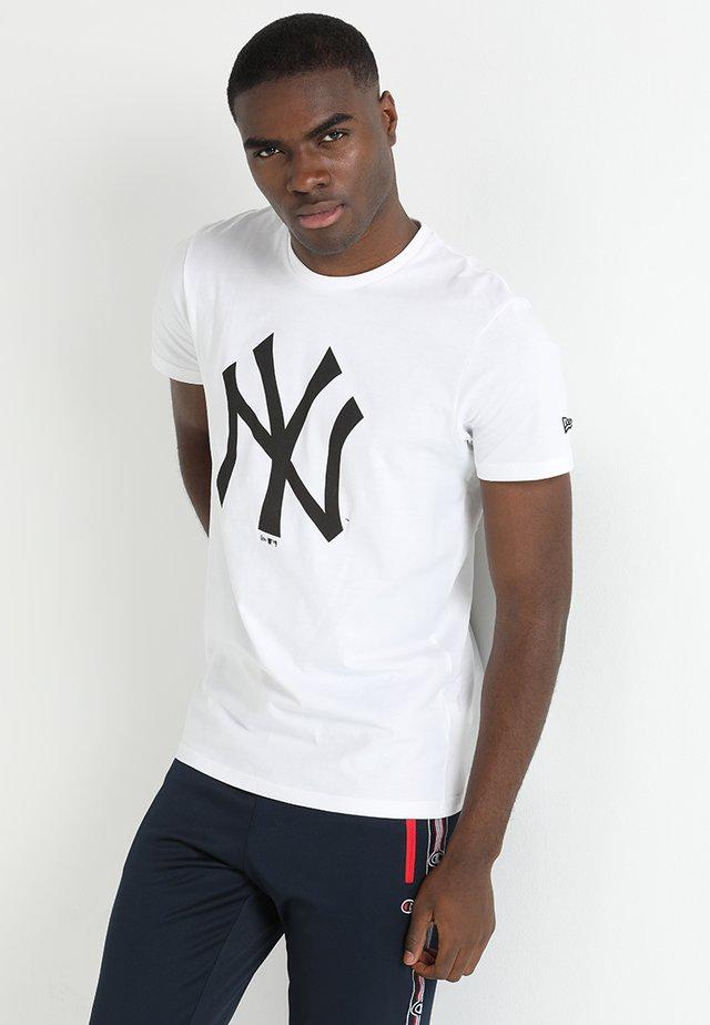MLB YANKEES TEAM LOGO TEE - Club wear - white/black