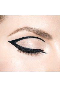 Revlon - LIQUID LINER COLORSTAY EXACTIFY - Eyeliner - N°101 intense black - 3
