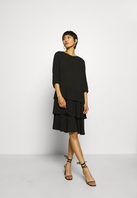 Moss Copenhagen - VERONA DRESS - Denní šaty - black - 0