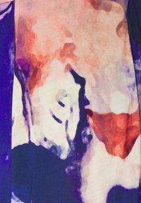 Henrik Vibskov - GOOD TIME PANTS - Bukse - painted clouds - 2