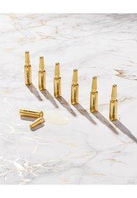 L'Oréal Paris - AGE PERFECT SERUM AMPULLES 7 DAYS - Skincare set - - - 2