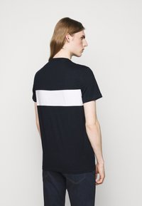 Michael Kors - SPORT AVIATOR TEE - Print T-shirt - midnight - 2