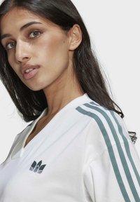 adidas Originals - TEE DRESS - Vestido ligero - white - 4