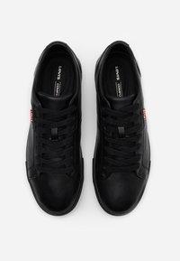 Levi's® - WOODWARD - Sneakersy niskie - brilliant black - 3