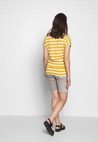 bellybutton - BERMUDAS - Short en jean - grey denim - 2